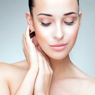 NECK AND DECOLLETE REJUVENATION​​